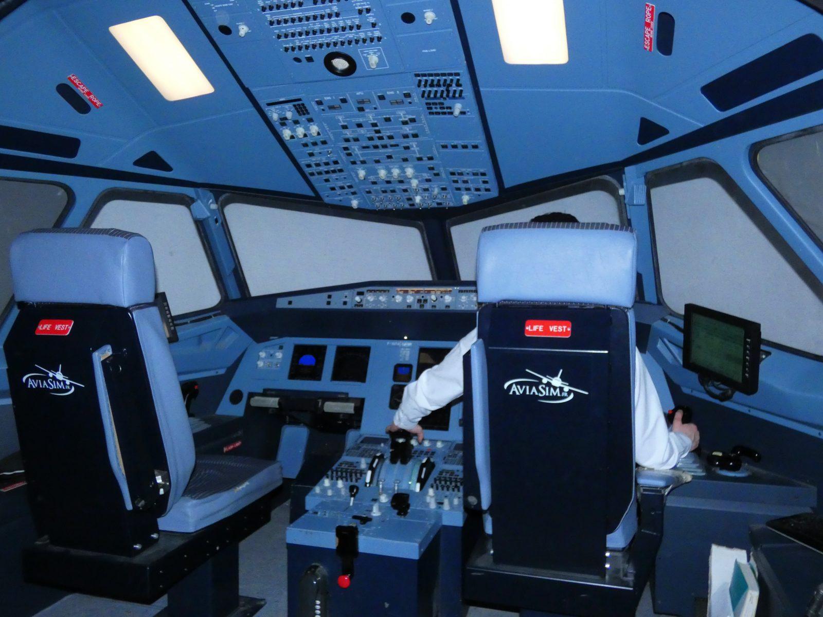AviaSim Cockpit
