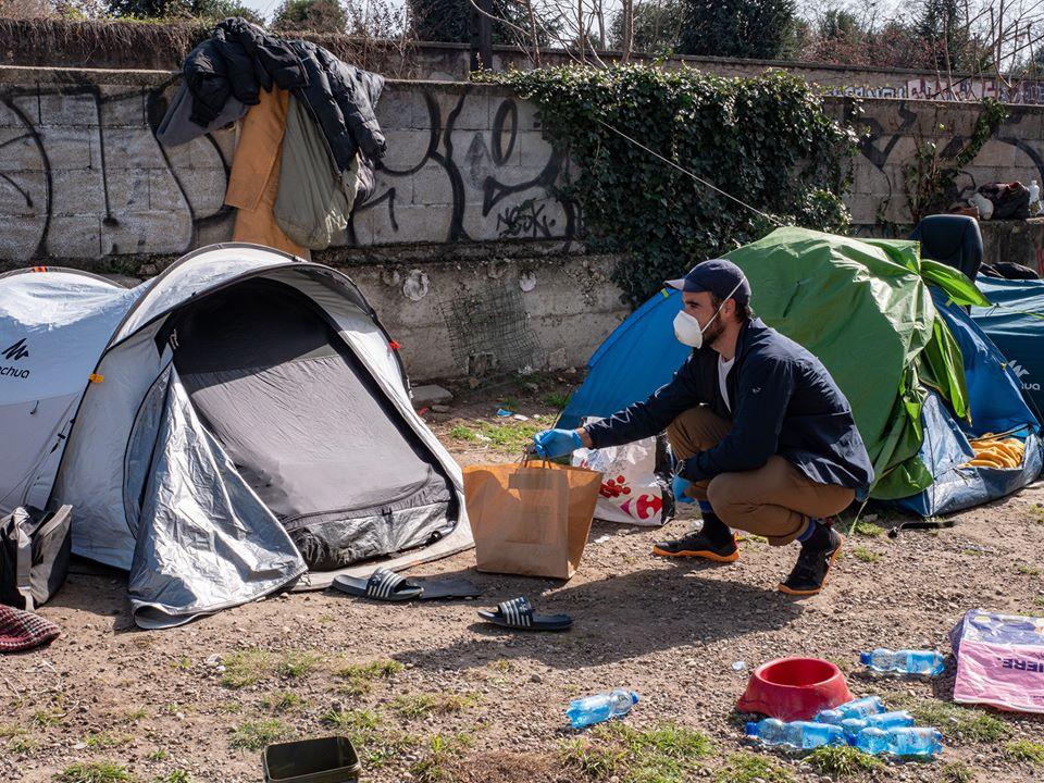 PourEux bénévole sans-abri
