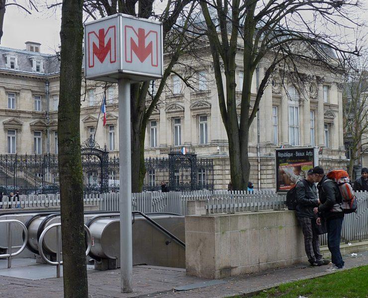 Station de métro, transports en commun, République Beaux-Arts