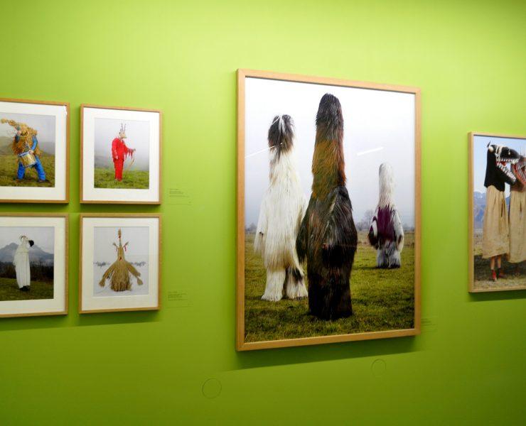 C. Fréger, exposition Mascarades et carnavals.