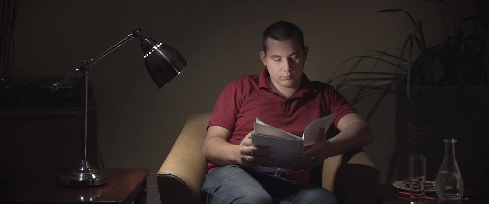 Cravate film documentaire extrême-droite