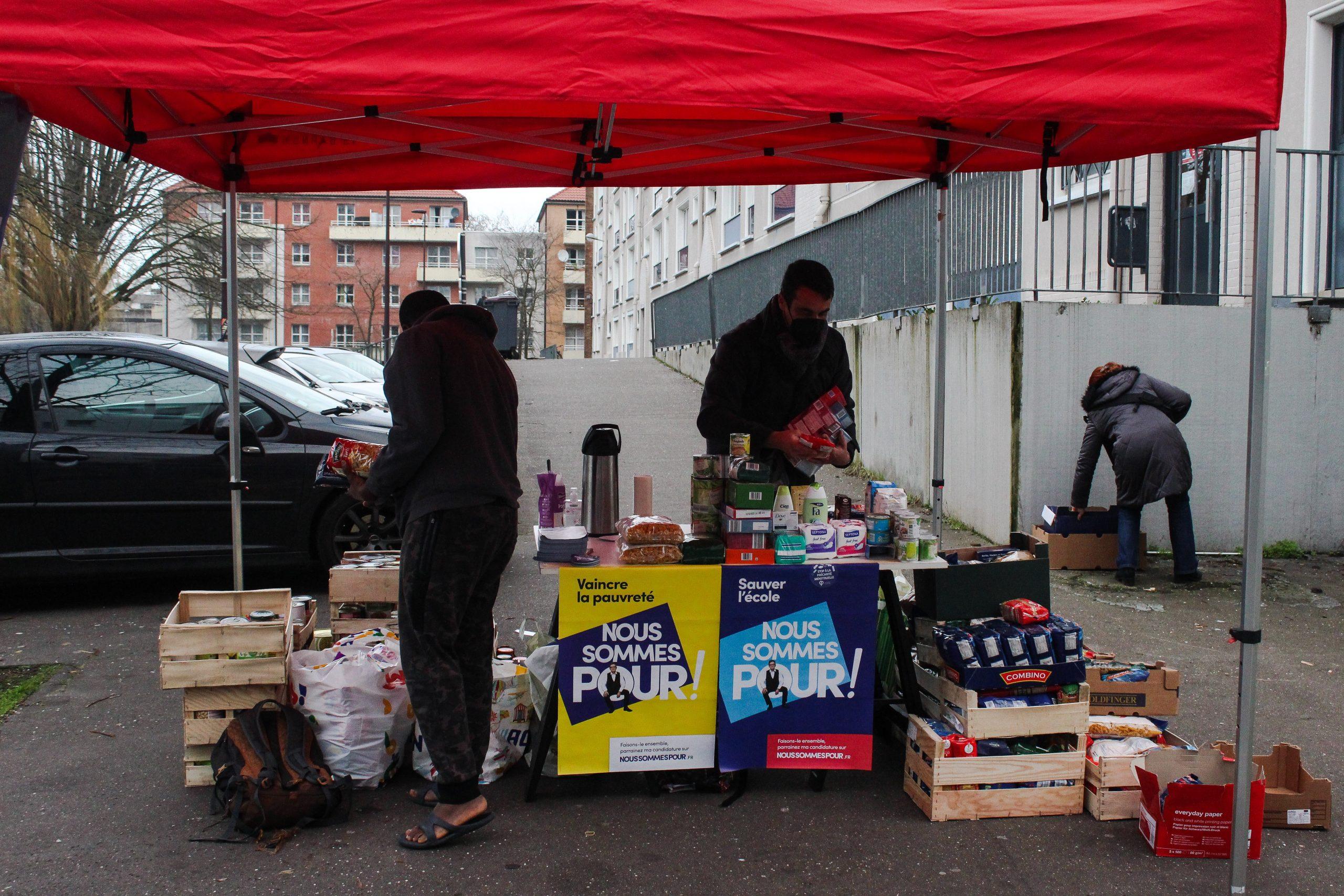 Distribution de denrées alimentaires ©Lili Pateman / Pépère News