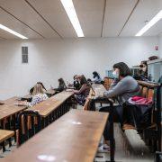 Un cours en présentiel en période de Covid à l'université de Lille.