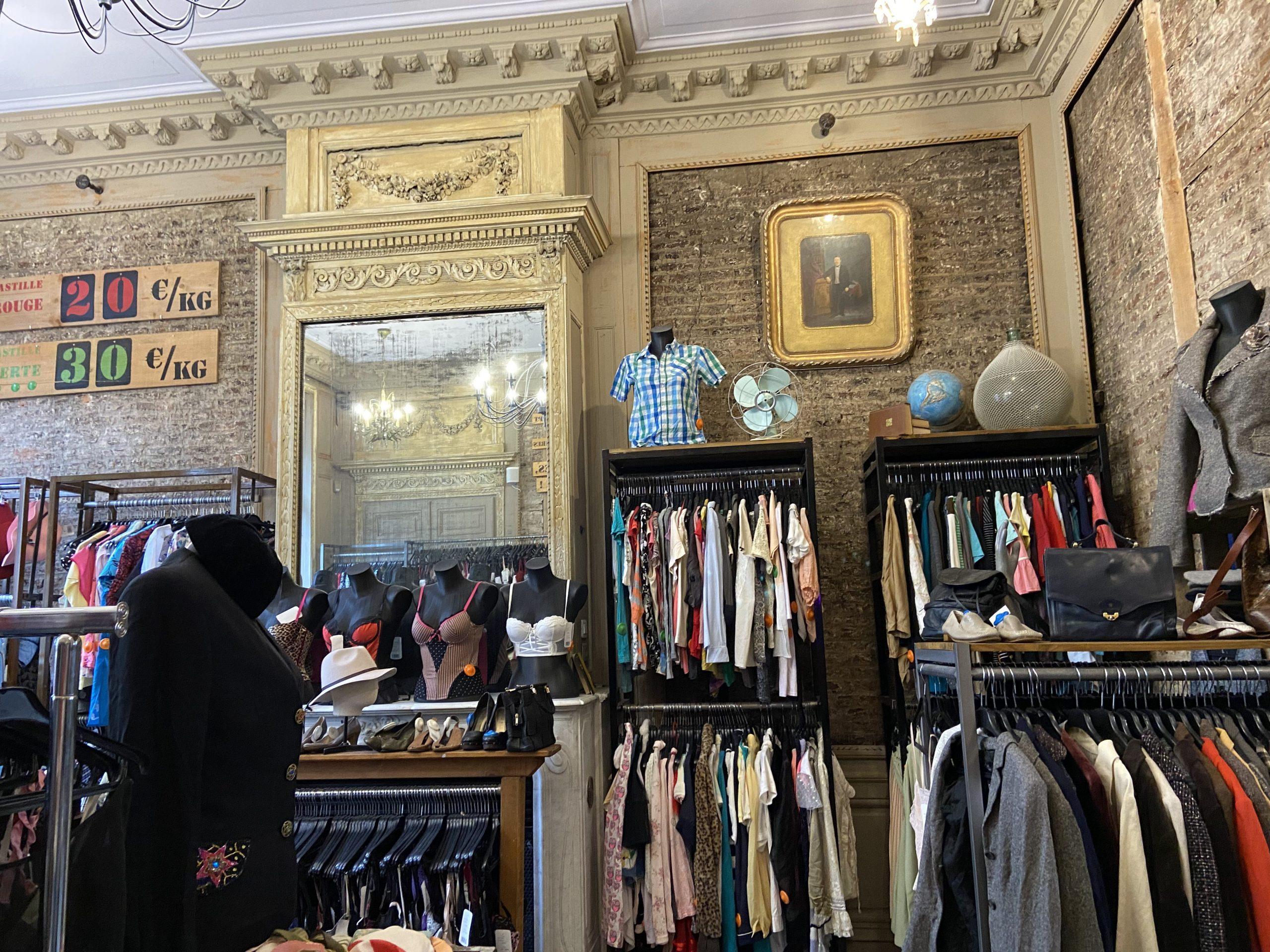 Intérieur Kilo Shop (friperie/ seconde main à Lille)